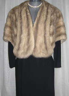 RetroRama vintage wear or does this mink go with black