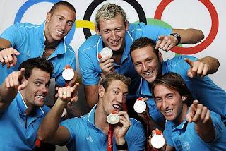 Fabien Gilot et les nageurs médaillés olympiques à Pékin en 2008