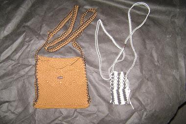 bolso marron y bolsito para celular