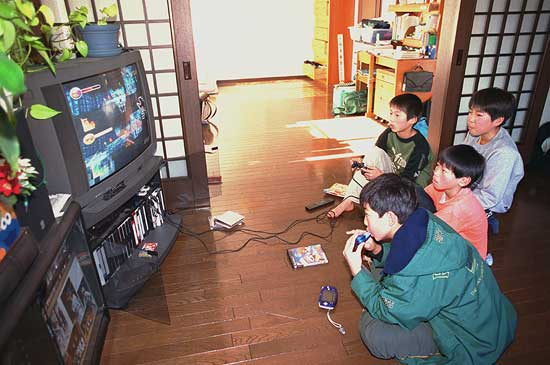 are video games a bad influence on children By randy dotinga healthday reporter friday, april 3, 2015 (healthday news) -- a small study offers a mixed view on whether video games may make kids more aggressive.