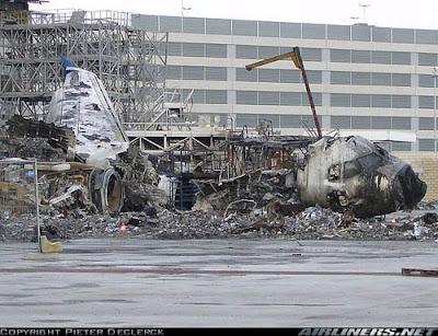 A320 incendiado en el centro de mantenimiento de Sabena en Zavantem