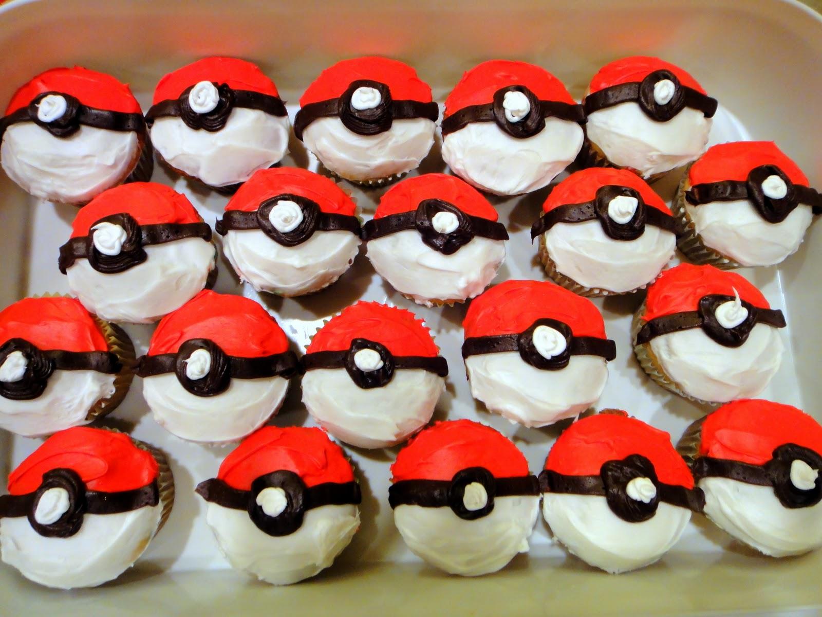 http://4.bp.blogspot.com/_ommirjIrwQs/TMScg6jjt0I/AAAAAAAAAoE/KLKXFVk7NRM/s1600/pokeball%25252Bcupcakes.jpg
