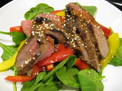 Amytacular: Sesame Ginger Steak Salad w/ Ginger Dressing