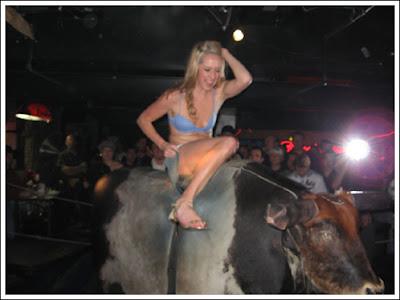 Sexy bull riding 2 Sexy bull riding!