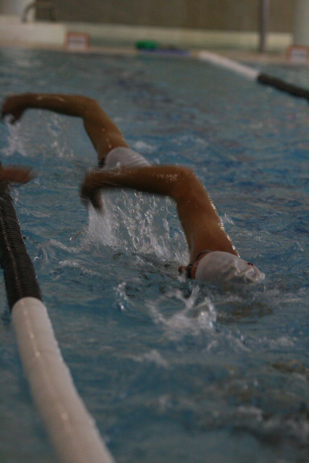 La piscina de Alcorcón vió a dos campeones junior de Torrejón en la tarde de ayer