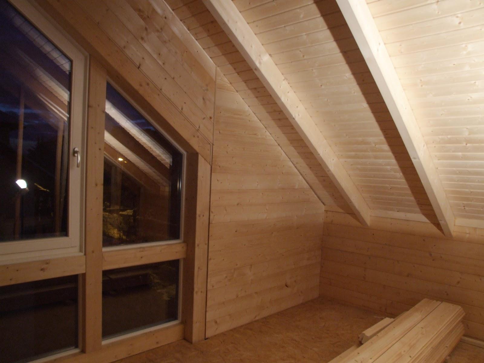 Maison en bois leonwood: le pignon de la chambre est presque fini