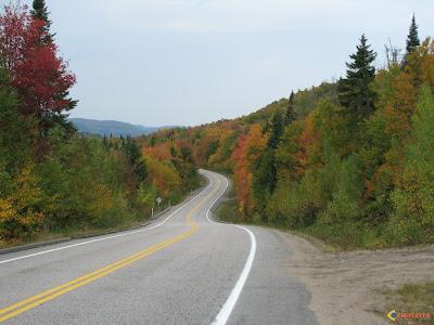 Visoterra route en automne au quebec canada 8379 Moins de bruit sur la route