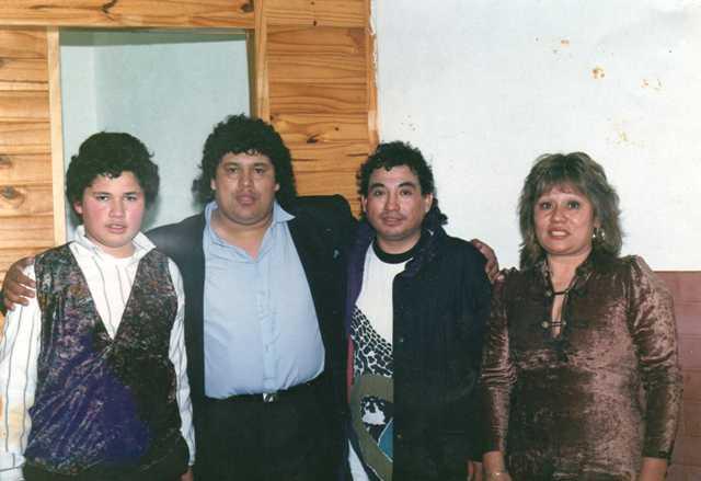 Rita, Carlos, su hijo Carlos Daniel y Carlitos Chavez