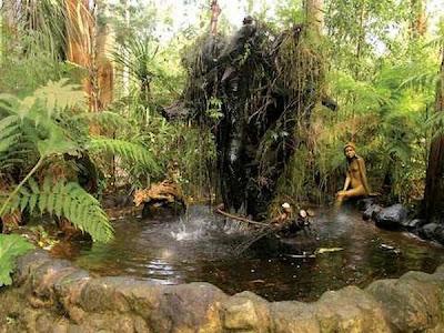 http://4.bp.blogspot.com/_osrVjnPbdEM/TA_-giQkbMI/AAAAAAAAdGg/5BW-oTkbCtY/s400/Garden_wooden_sculptures_10.jpg