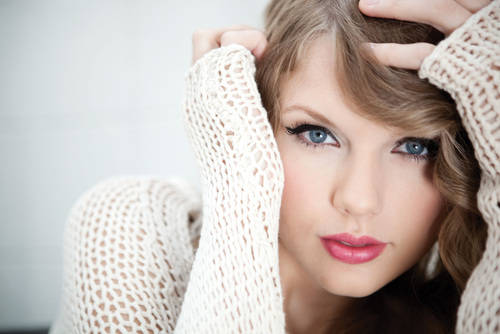 Taylor Swift Singing Live. Taylor Swift picks abs-cbn