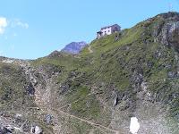 La Lenkjöchlhütte, refuge à 2590 métres, mais la montée n'est pas encore terminée...
