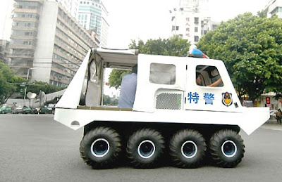 Eight-wheeled Police Cars