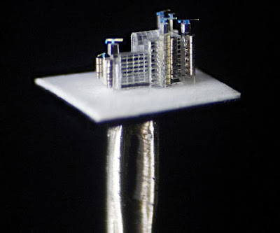Pin-head sculpture of London landmark