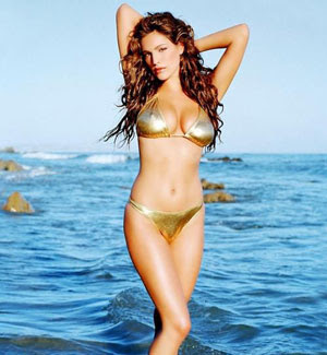 kelly-brook-underwear.jpg