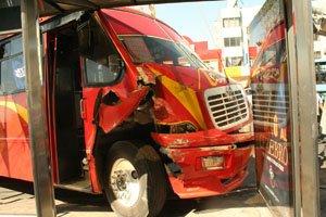 Terrible accidente automovilístico en La Paz