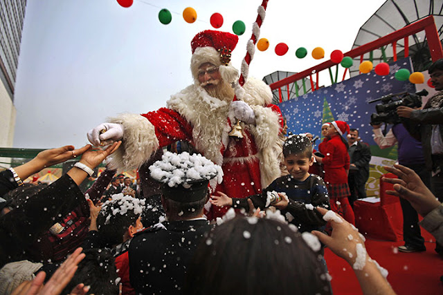 Picture of the Day-Santa