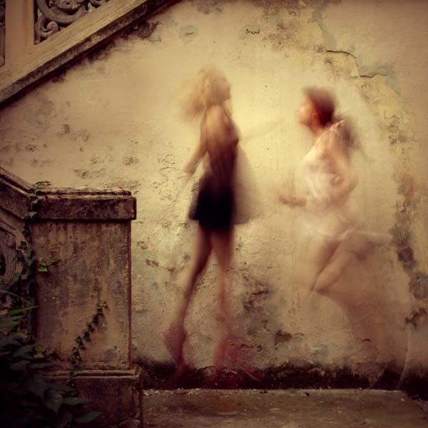 Duel by  Diana Cretu