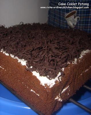 Just My Ordinary Kitchen...: CAKE COKLAT POTONG