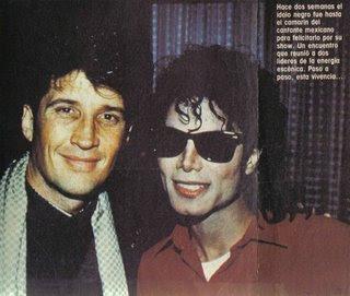 Michael en el concierto del cantante mexicano Emanuel. F11c