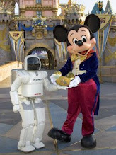 Mickey y Asimo