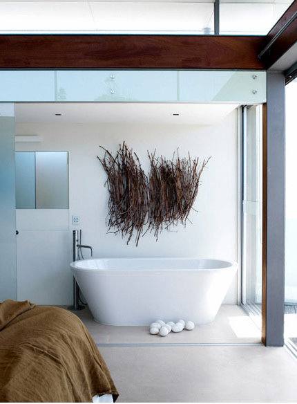 Modern-luxury-bathroom-interior-design-with-contemporary-white-bathtub-design-ideas-and-beautiful-decoration-design.