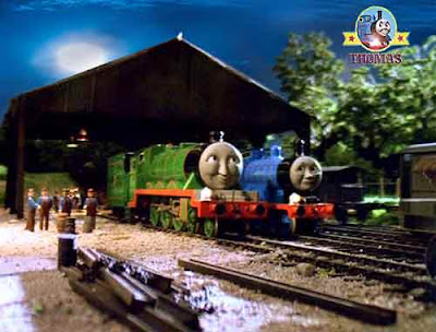 A star coved scary night for haunted Henry the tank engine with Thomas and friends Edward the train