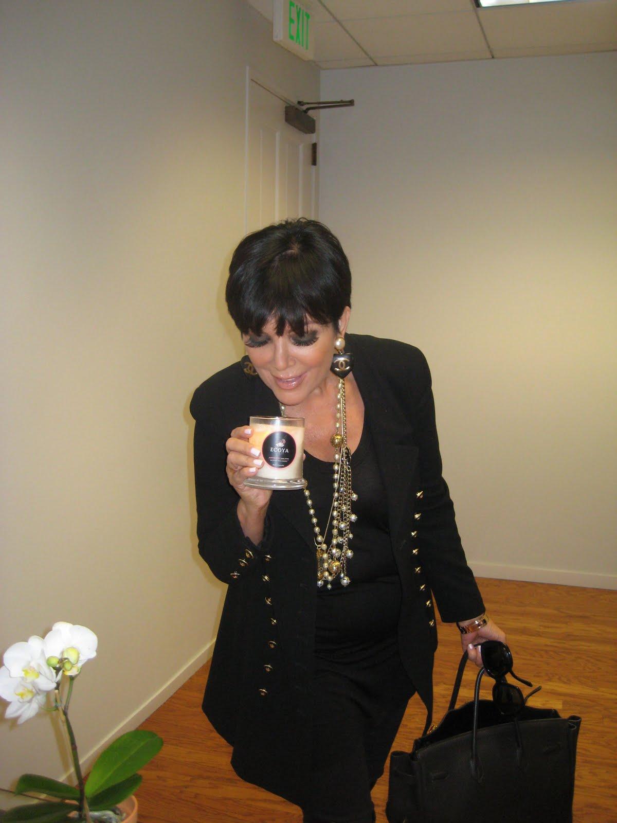 http://4.bp.blogspot.com/_p109q1yrogU/TMyMtfIMCsI/AAAAAAAAE-E/KBgxYSbib1U/s1600/Kris+Kardashian.jpg