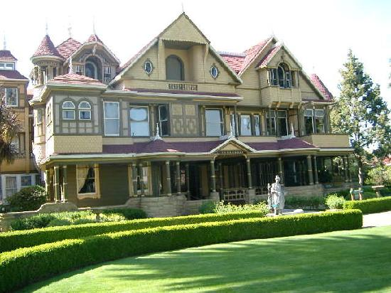 Paranormel haunted history the winchester mystery house for The winchester house