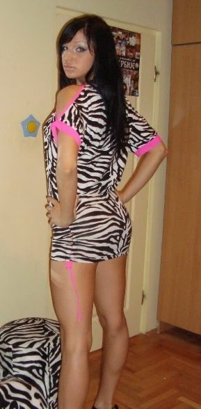 Some more amateur calves legs casual girls