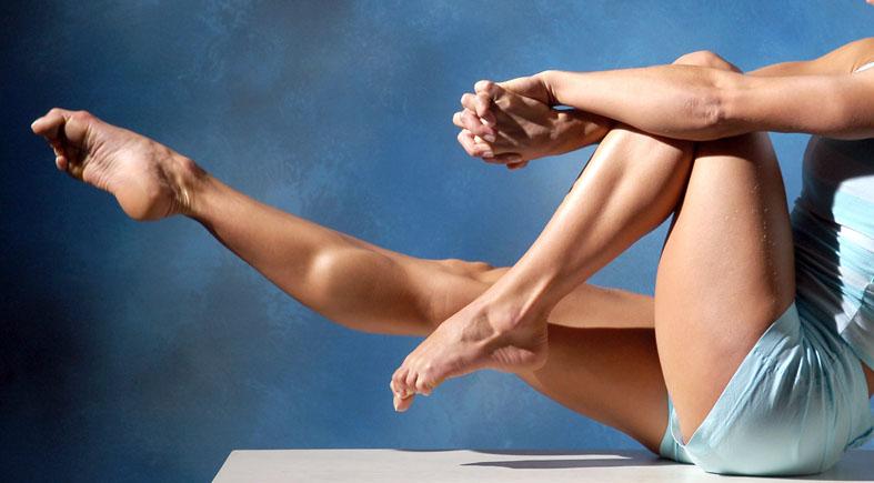 Sexy Women Muscular Leg Photos 102