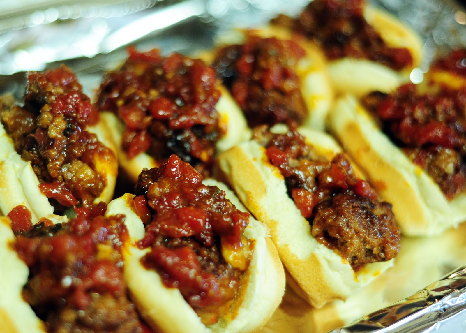 ... Girl's Guide to the Good Life: Sweet and Spicy Mini Meatball Sliders