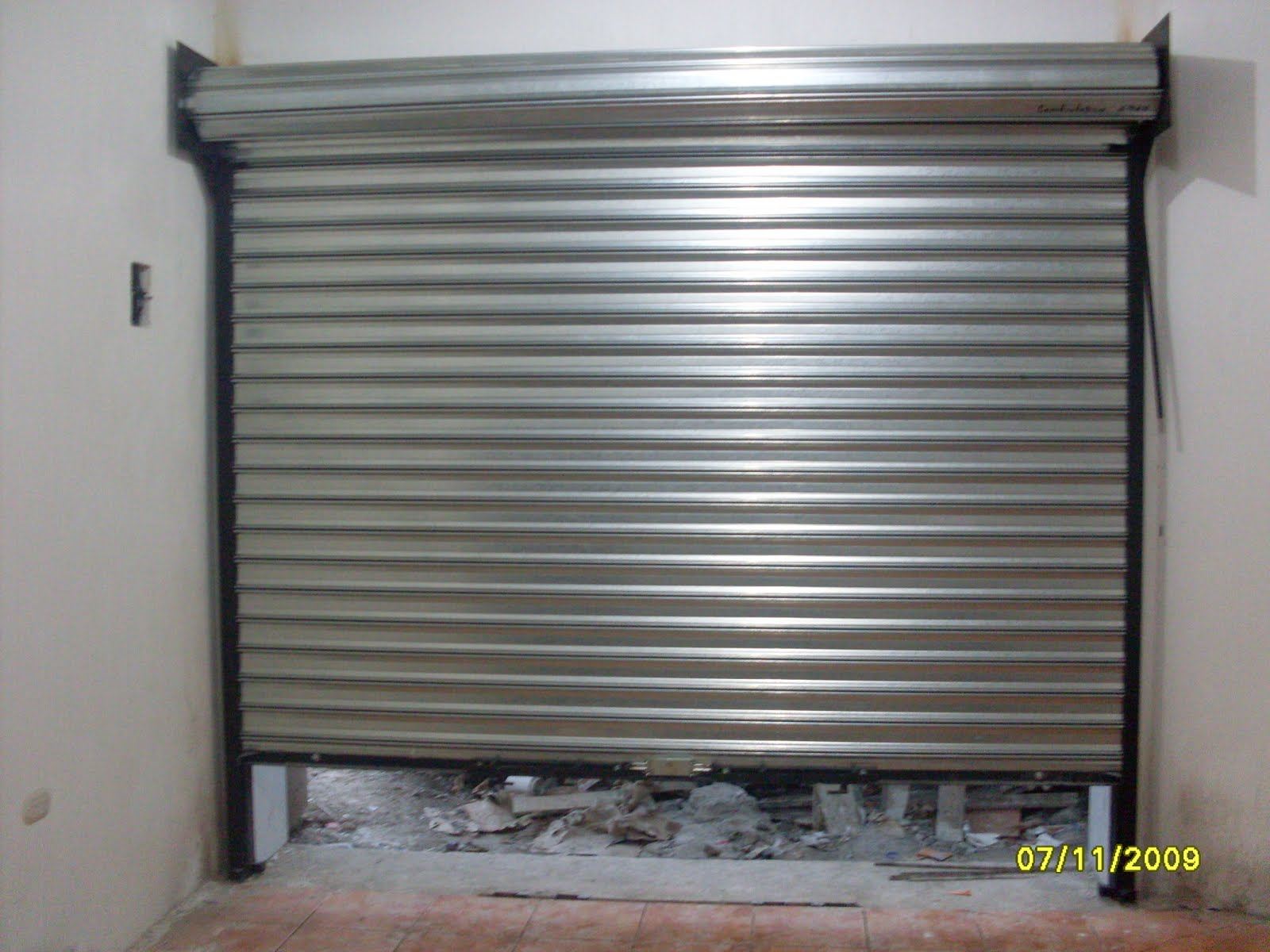 Construteksa cortinas metalicas enrollables mogan italiana for Puertas enrollables