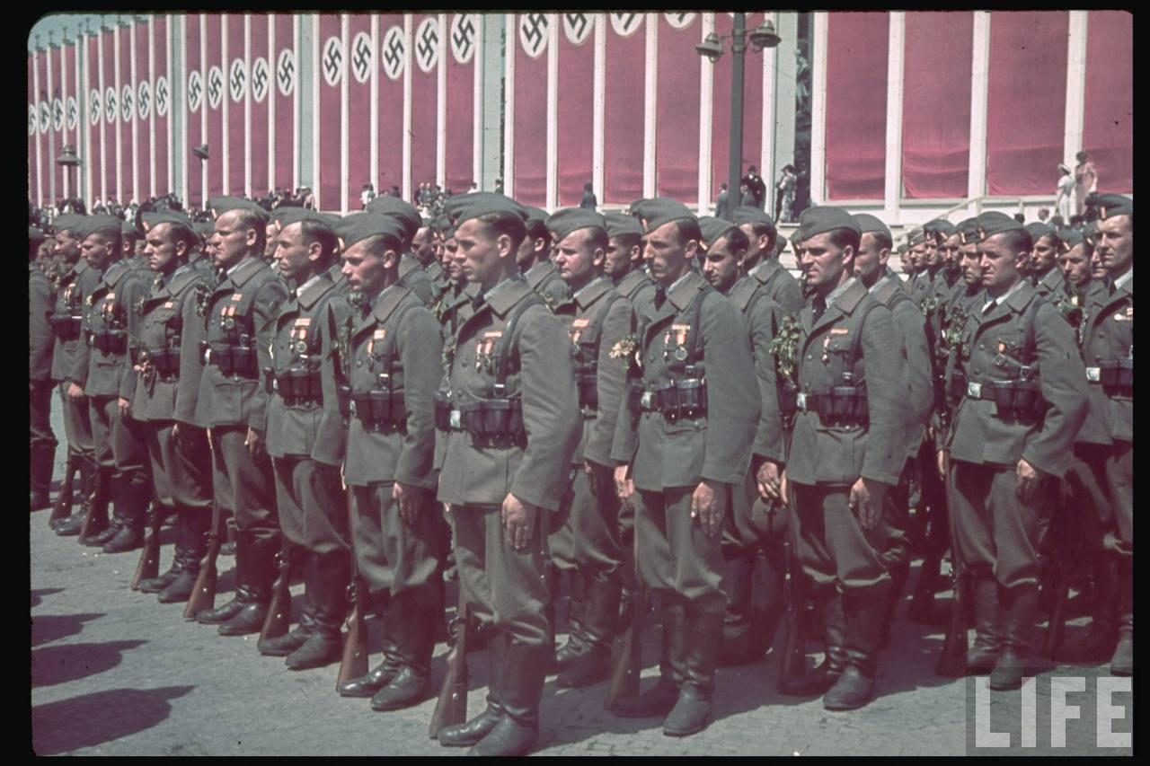 la légion condor et aviation italienne Legion+Condor+on+its+return+from+Spain+in+Berlin,+6+June+1939g