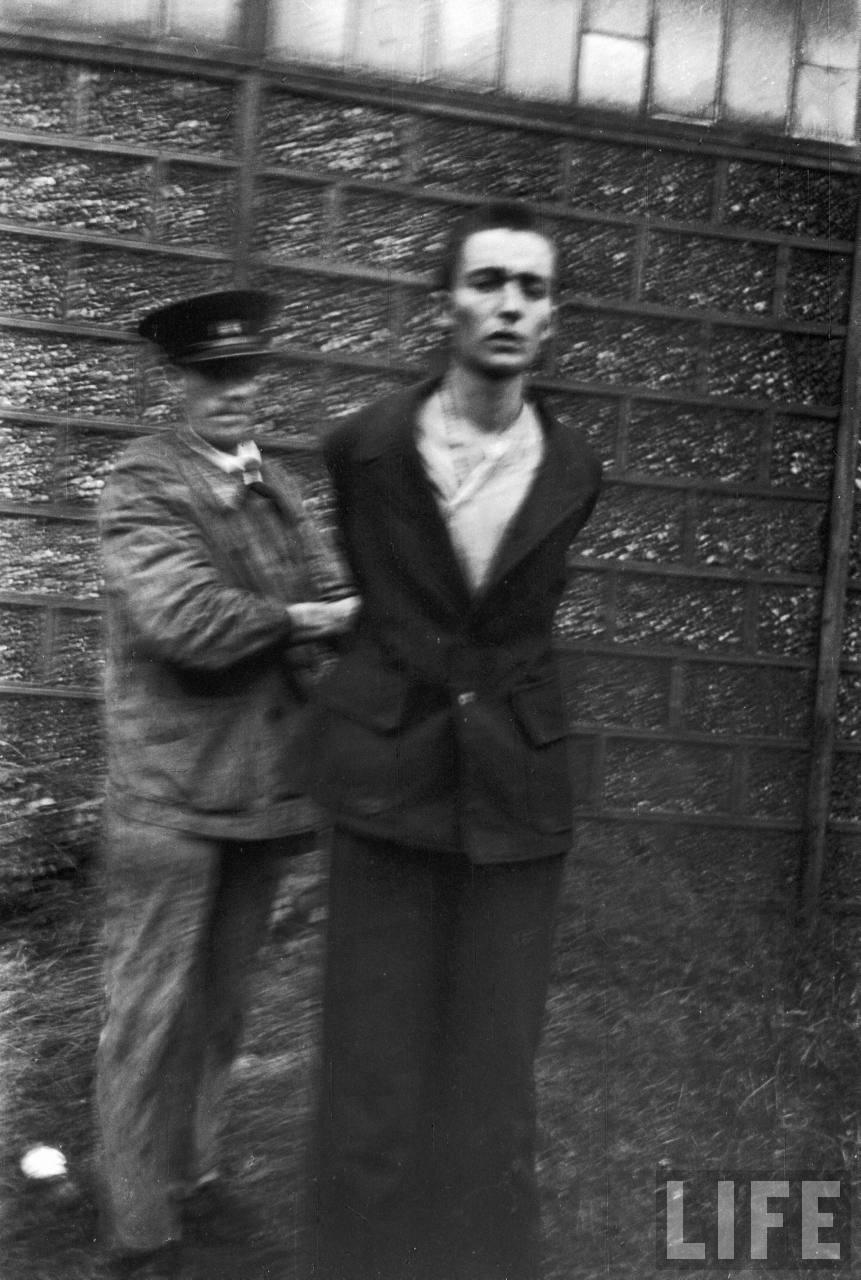 représailles (pendant ou à la fin de la guerre) Execution+of+Nazi+collaborationist+Milice+(Vichy+police)05