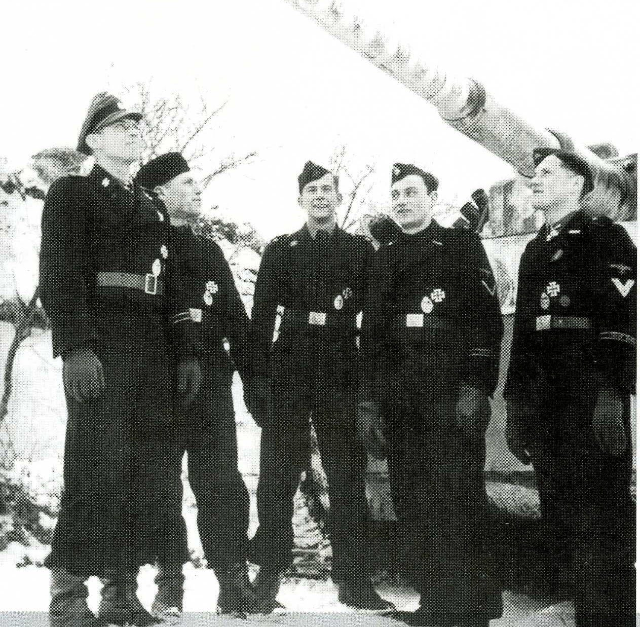 les WAFEN SS Wittmann+%26+his+Tiger+crew