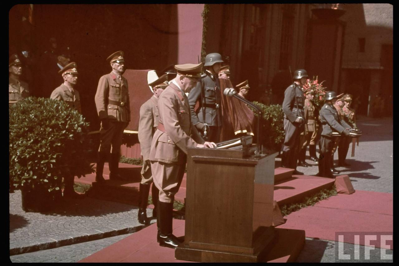 photos de hugo jaeger (photographe de Adolf Hitler ) Hugo+Bruckmann's+funeral13