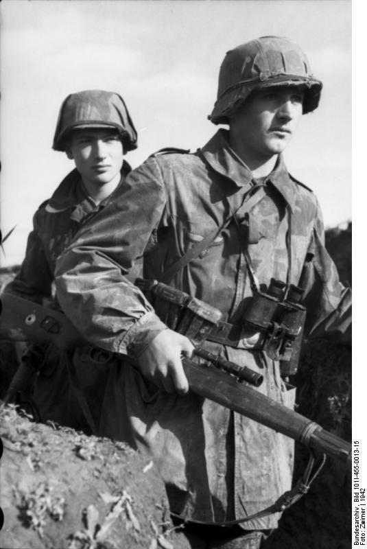 visages de soldats Luftwaffe%2Bsniper%2Bin%2BRussia