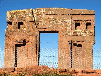 Kampus latinoamericanus tiahuanaco o tiwanaku bol via for Como es la puerta del sol