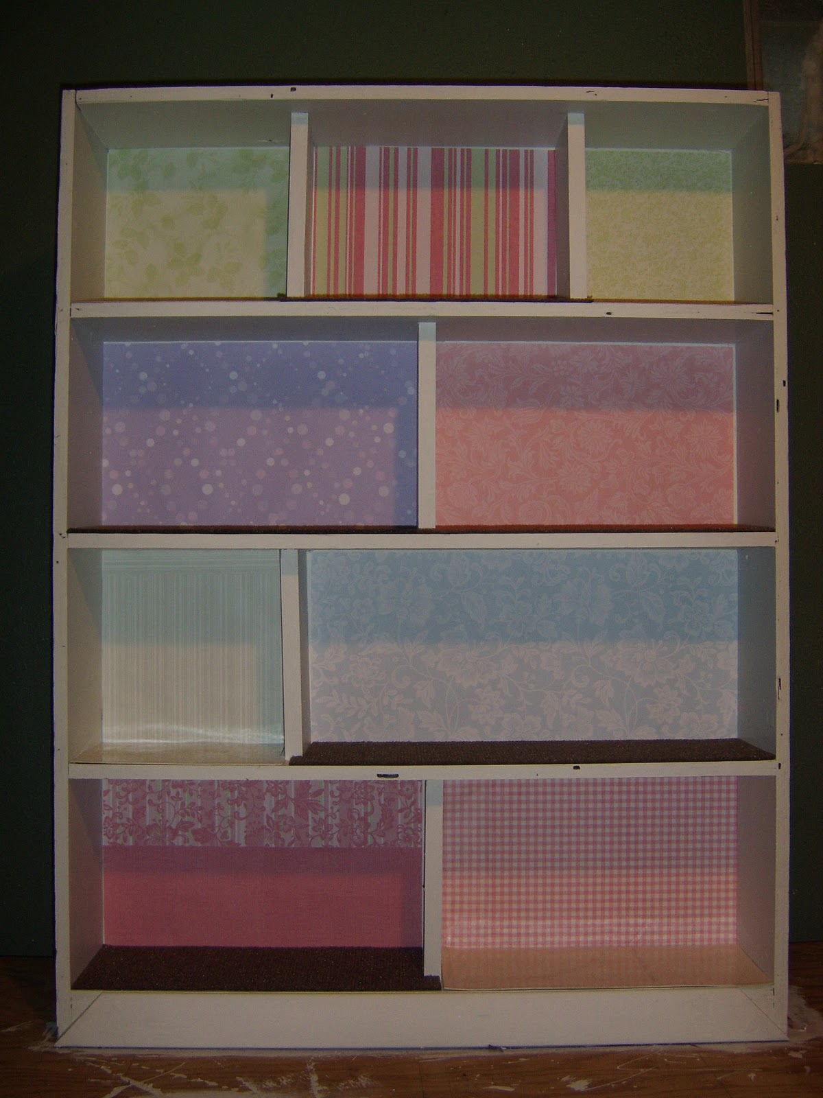 Scrapbook paper dollhouse wallpaper - Stringer Mama Diy Dollhouse Day 2