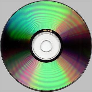 http://4.bp.blogspot.com/_p69jkbx8LYQ/RmPzAEb2lTI/AAAAAAAAAYY/L4AXQbs6wLg/s320/mix_cd-r80_silver_top.jpg