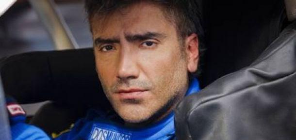 Alejandro fern ndez se convierte en piloto de carreras for Alejandro fernandez en el jardin mp3