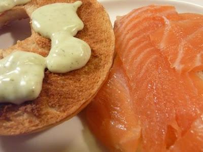 aunque estén tiernos mola tostarlos por dentro porque crujen al comerlos....con salmón están buenísimos