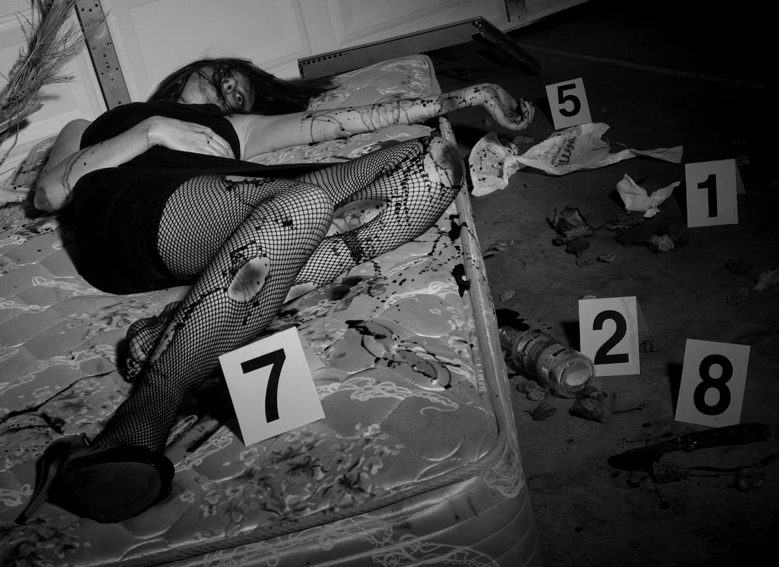 Famous Murders Crime Scene Photos http://kalberto143.blogspot.com/2011/01/boc-week-2-crime-scene-photoshoot.html