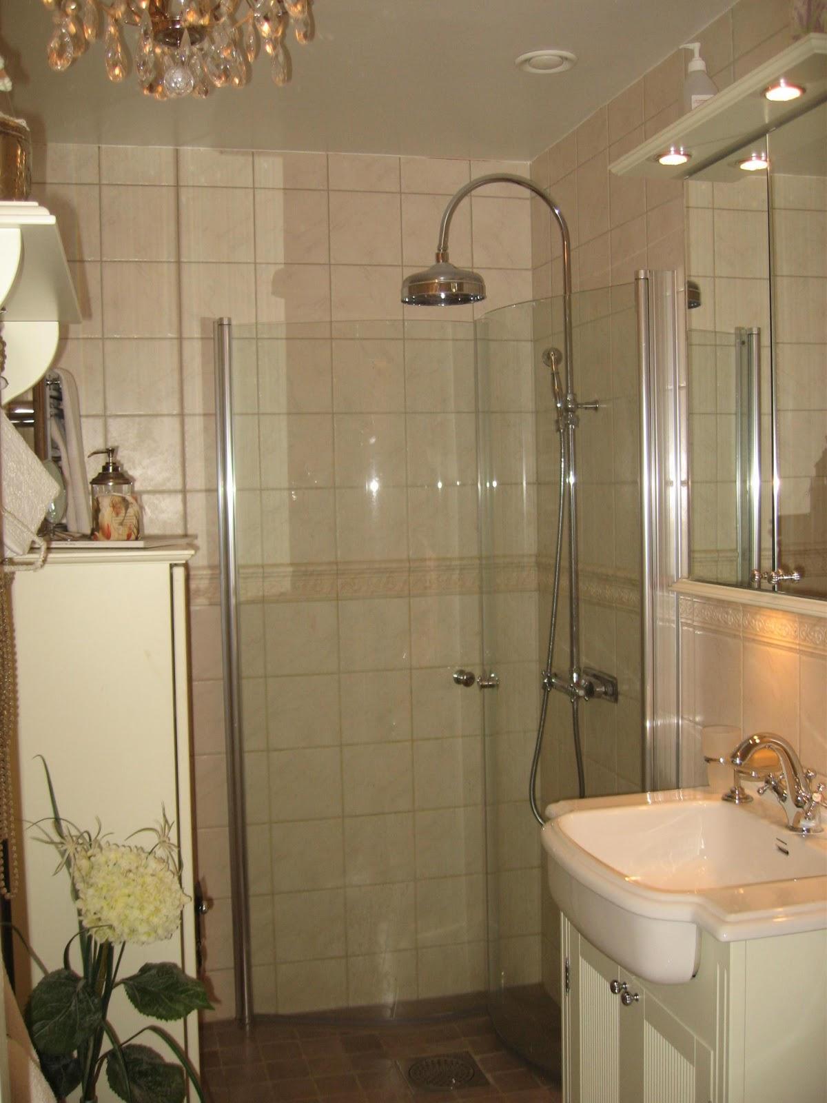 Lantliga romantiska ting: badrum nr 1 !