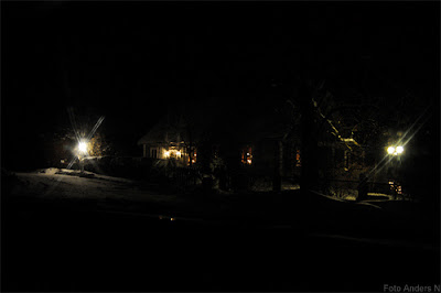 Hässlehult, Jämshög, Olofström, Blekinge, bondgård, kväll, natt, annandag, vinter, snö, ljus, foto anders n