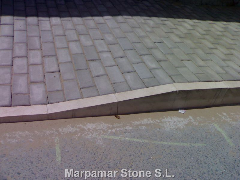 Marpamar stone is specialized in the production crema for Bordillos para piscina