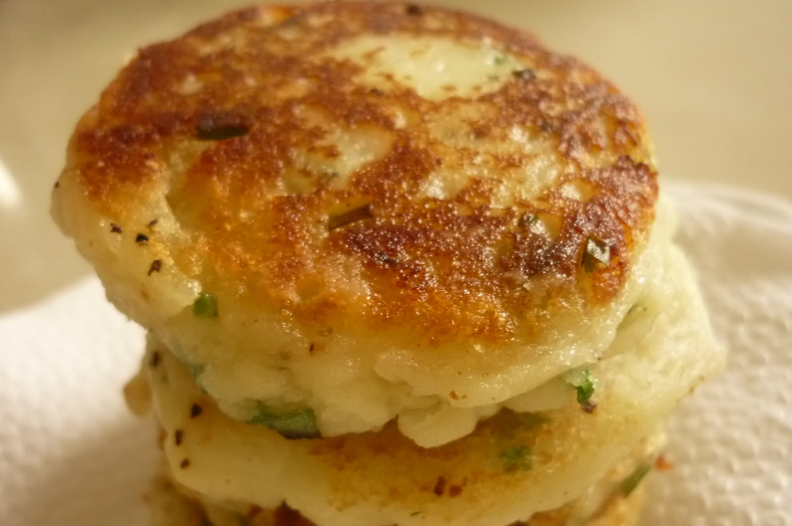 kitchen flavours: Potato Herb Scones