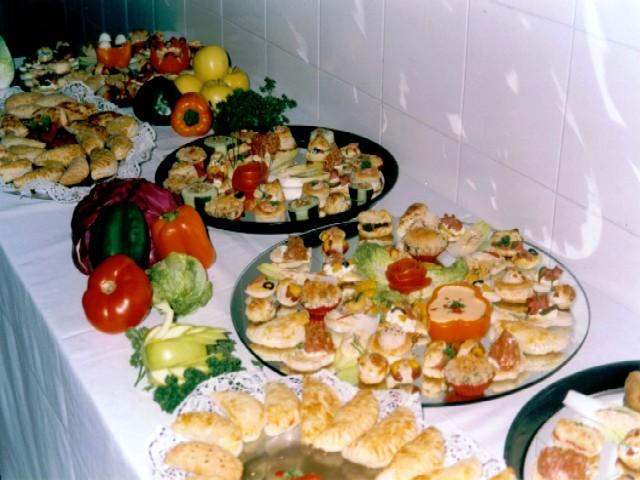 PELUSILLA Felicidades por tus primeros 100 mensajes Banquete06