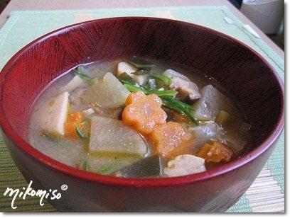 Das Grüne von Japan: Kenchinjiru (gebratene Gemüse Misosuppe)