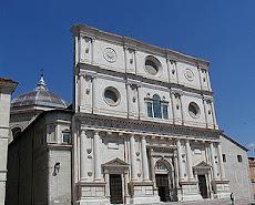 Chiesa di S.Bernardino, prima del sisma, la cupola ha subito danni